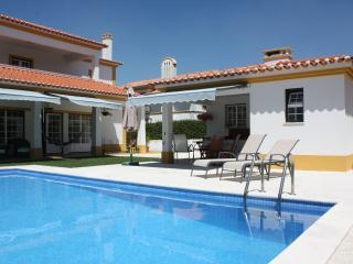 Villa with swimming pool in Azeitao near Lisbon - Azeitao vacation rentals