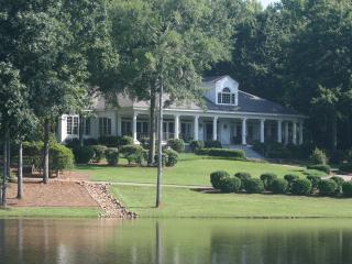 23 ac. Estate on Lake Oconee, Weddings, Big Groups - Greensboro vacation rentals