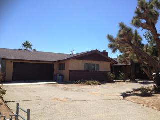 Quiet Yucca Valley Rustic Retreat near Joshua Tree - Yucca Valley vacation rentals