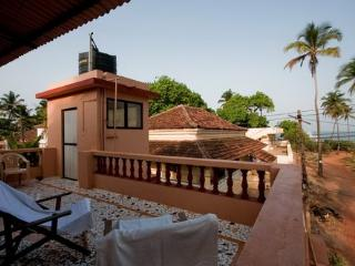 Old Cosy Romantic Portuguese Beach side Villa - Anjuna vacation rentals