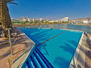 Luxury Apt w/ shared Pool n/ Beach - Eilat vacation rentals