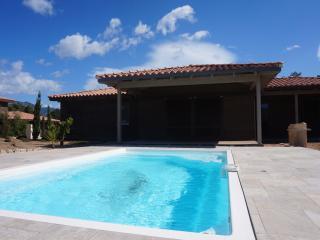 "VIlla 6/8 personnes avec piscine  ""Les chenes"" - Sotta vacation rentals"