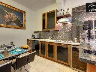 Convenient 1 bedroom Florence Condo with Internet Access - Florence vacation rentals