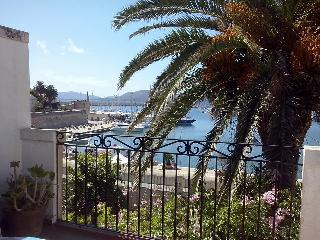 Lovely Apartment in Alghero with A/C, sleeps 6 - Alghero vacation rentals