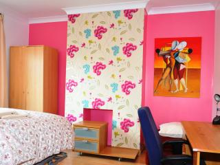 Guest house - London vacation rentals