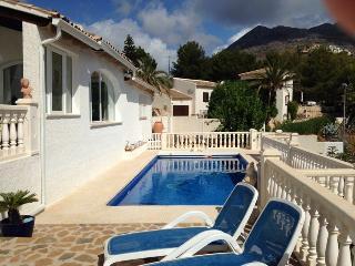 Bright 6 bedroom Bungalow in Altea la Vella - Altea la Vella vacation rentals