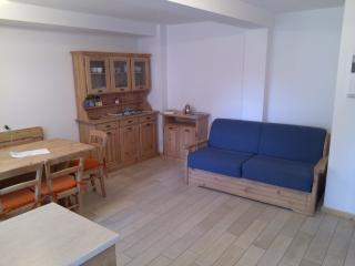 2 bedroom Condo with Cleaning Service in Folgaria - Folgaria vacation rentals