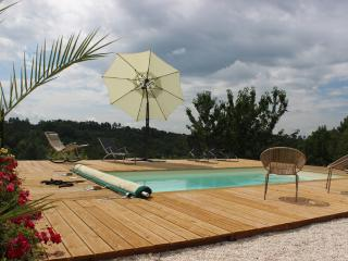 Nice Gite with Internet Access and Dishwasher - Rouffignac-Saint-Cernin-de-Reilhac vacation rentals