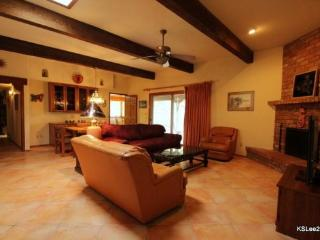 Private, Spacious, Pet Friendly Three Bedroom Home with Mountain Views and a Two Car Garage Near Sabino Canyon - Tucson vacation rentals