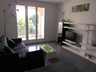 Nice Studio with Television and Balcony - La Ciotat vacation rentals