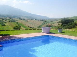 Villa di Stelle Abruzzo Pool WIFI Stunning Views Ask for great low season rates - Casoli vacation rentals