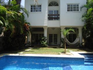 Beautiful Villa in Playacar with own swimming pool - Playa del Carmen vacation rentals