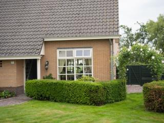 Bright 4 bedroom Villa in Utrecht with Internet Access - Utrecht vacation rentals