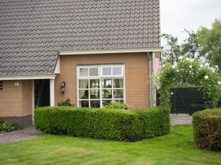 Comfortable 4 bedroom Villa in Utrecht with Internet Access - Utrecht vacation rentals