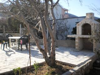Bright 2 bedroom Island of Pag Apartment with Internet Access - Island of Pag vacation rentals