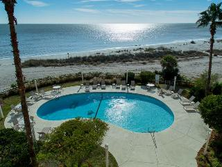 Beautiful Villa with Internet Access and Dishwasher - Isle of Palms vacation rentals