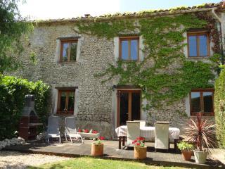 Chauffour Gites- La Grange spacious family cottage - Allemans vacation rentals