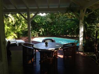 Villa de charme, pool and garden, on the beach ... - Sainte Rose vacation rentals