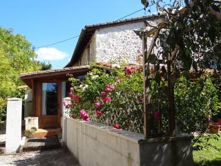 Chauffour Gites- La Porcherie holiday cottage - Allemans vacation rentals