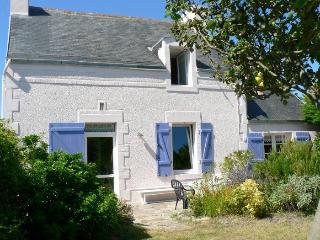 Nice House with Satellite Or Cable TV and Outdoor Dining Area - Lesconil vacation rentals