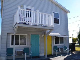 Beachside Efficiency in Treasure Island (Yellow) - Treasure Island vacation rentals
