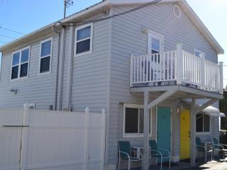 Beachside Efficiency in Treasure Island (Yellow) - Treasure Island vacation rentals