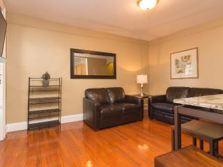 Sleeps 5! 2 Bed/1 Bath Apartment, Midtown East, Awesome! (8490) - Sunnyside vacation rentals