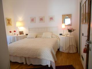 2 bedroom Bed and Breakfast with Internet Access in Mozzo - Mozzo vacation rentals