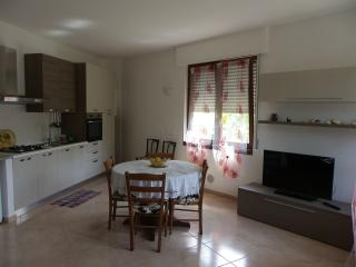 casa in collina due km dal mare - San Bartolomeo al Mare vacation rentals