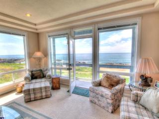 OceanFront Home Hot Tub Sleeps up to 16 FREE NIGHT - Yachats vacation rentals