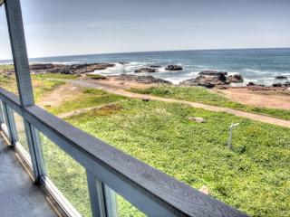 Luxurious Ocean Front Home with Hot Tub! - Yachats vacation rentals