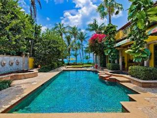 Villa Del Sol - Exquisite Setting and Grounds, with Pool and Home Theater ideal for a families - Naples vacation rentals