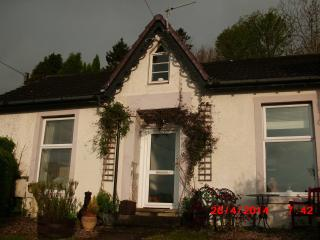 2 bedroom Cottage with Internet Access in Innellan - Innellan vacation rentals