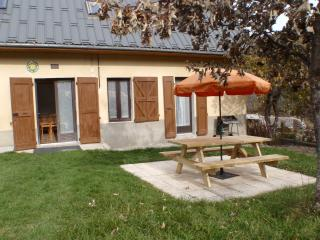 Cozy 3 bedroom Gresse-en-Vercors Gite with Internet Access - Gresse-en-Vercors vacation rentals