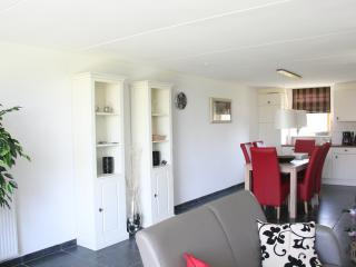Cozy 3 bedroom Bungalow in Alkmaar - Alkmaar vacation rentals