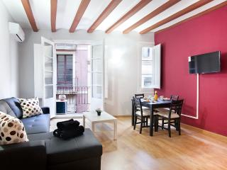 Centric and chic Rambla apartment - Barcelona vacation rentals