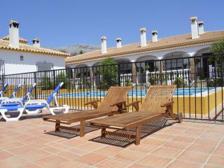 Mirador II (conjunto el Mirador) - Riogordo vacation rentals