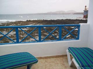 Perfect 2 bedroom Arrieta Apartment with Internet Access - Arrieta vacation rentals