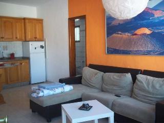 APARTMENT SHAMBALA IN FAMARA FOR 3 P - Famara vacation rentals