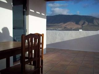 APARTMENT JAMAICA IN FAMARA FOR 5P - Famara vacation rentals
