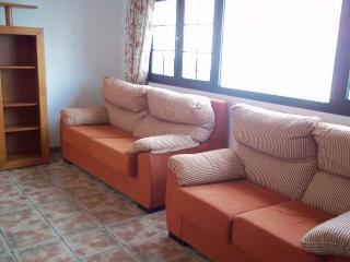 APARTMENT TERRANOVA IN FAMARA FOR 6P - Famara vacation rentals