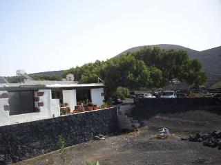 2 bedroom Villa with Internet Access in La Geria - La Geria vacation rentals