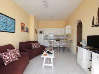 Sunny 2 bedroom Condo in Caleta de Sebo with Internet Access - Caleta de Sebo vacation rentals