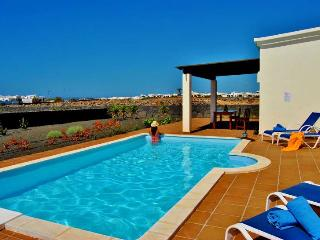 Beautiful 3 bedroom Playa Blanca Villa with Internet Access - Playa Blanca vacation rentals