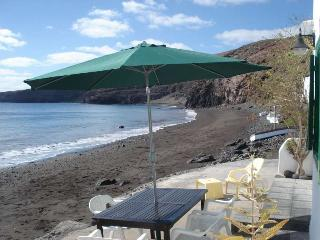Beautiful 2 bedroom Apartment in Playa Quemada - Playa Quemada vacation rentals