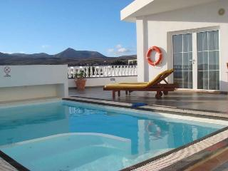 2 bedroom Villa with Internet Access in Puerto Calero - Puerto Calero vacation rentals