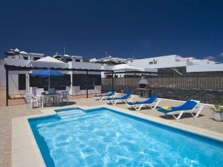 Perfect 3 bedroom Villa in Puerto Del Carmen - Puerto Del Carmen vacation rentals