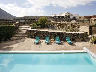 Nice 2 bedroom Ye Villa with Internet Access - Ye vacation rentals