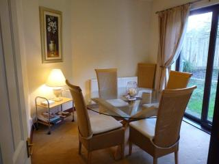 Whiteshoots self catering cottage - Bourton-on-the-Water vacation rentals