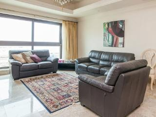 Stylish 1 BD Fairmont Residence, Palm Jumeirah - Palm Jumeirah vacation rentals